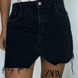 NWOT Zara Black High-Rise Distressed Mini Skirt XS